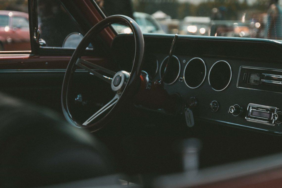 Jak podłączyć radio samochodowe 2 din?